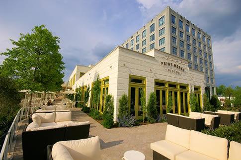 green_hotel_proximity.jpg